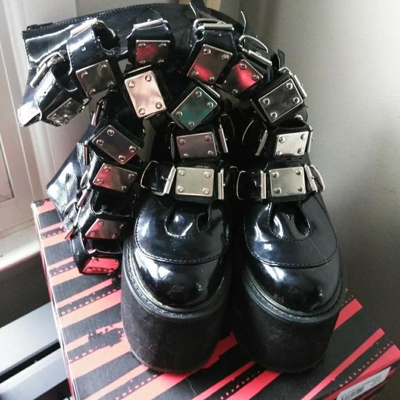 bb602149968 Demonia Shoes - Demonia swing 815
